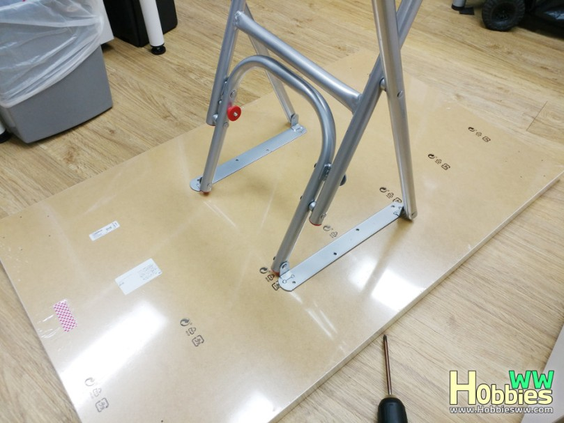 IKEA-Folding-Table-DIY-5
